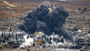 Mehr als 900 Tote bei Luftangriffen
