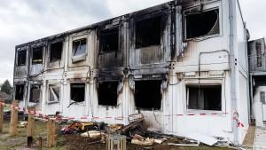 921 Übergriffe auf Asylunterkünfte in diesem Jahr