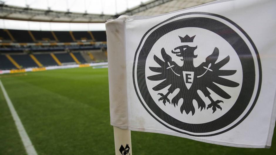 Es wird immer schwieriger an Tickets für die Eintracht Frankfurt zu kommen. (Symbolbild)