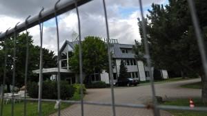 Drei Festnahmen nach Anschlag auf Flüchtlingsunterkunft