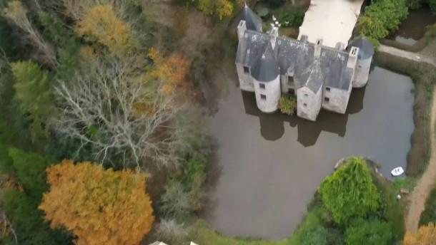 Außergewöhnliche Corona-WG in französischem Schloss