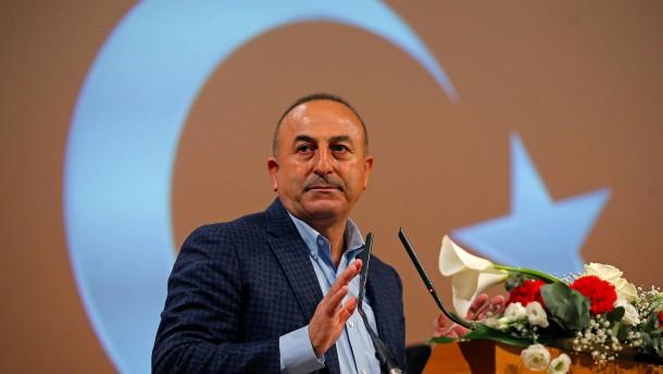 """Türkischer Außenminister warnt vor """"Religionskriegen"""" in Europa"""