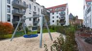 Hanau hat gebaut: Häuser und Gärten des Westkarrees an der Französischen Allee sind schon bewohnt und begrünt.