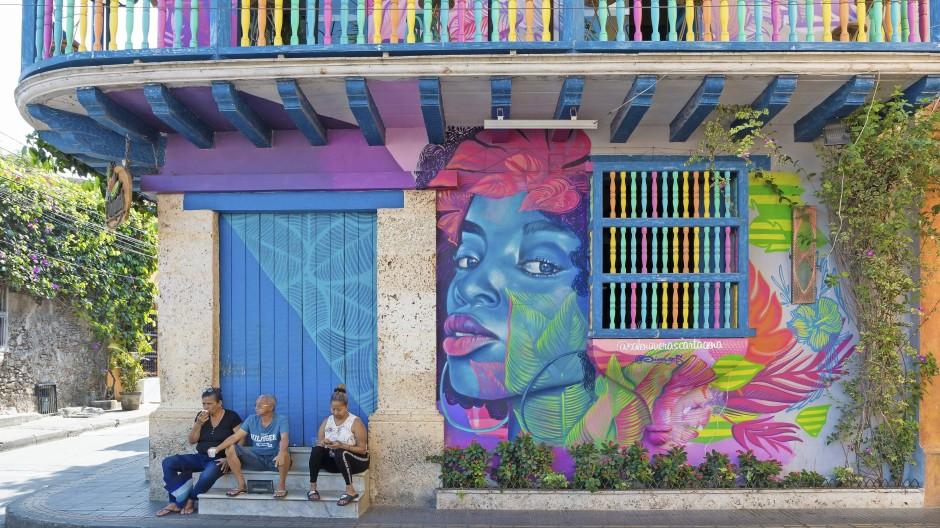 Die Farben des Lebens: Eine graue Maus ist Cartagena im Laufe seiner langen Geschichte nie gewesen und hat deswegen Schriftsteller des magischen Realismus wie Gabriel García Márquez immer wieder inspiriert.