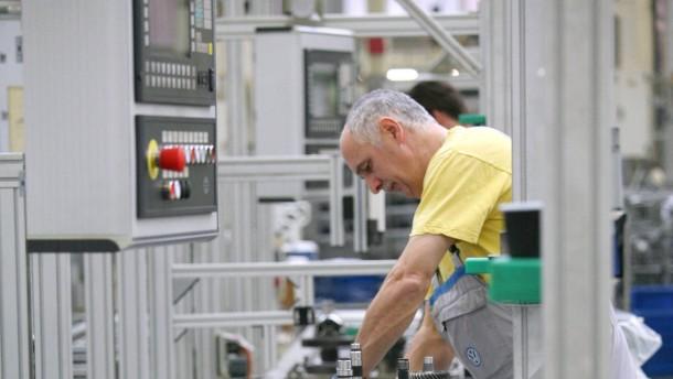 VW übernimmt 570 Leiharbeiter in Baunatal