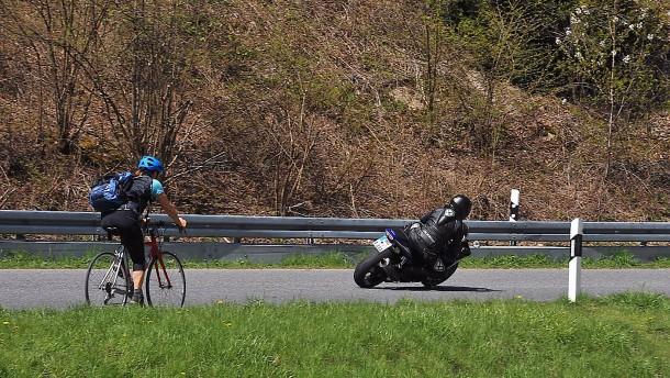 Wieder Strecken für Motorradfahrer im Taunus gesperrt