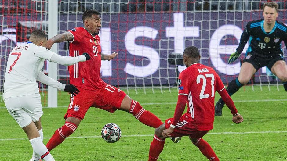 Lücke in der Abwehr: Der Pariser Stürmer Kylian Mbappé trifft gegen den FC Bayern.