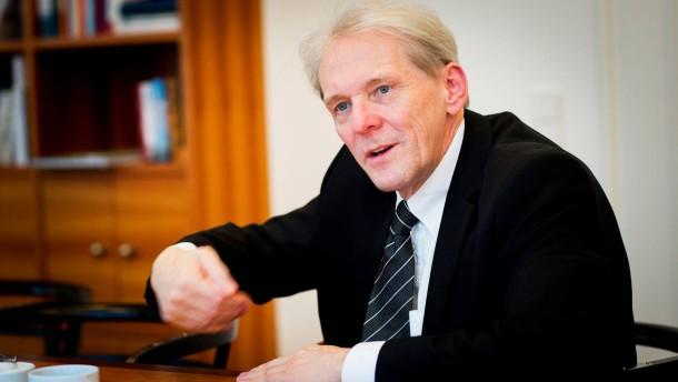 Karl Max Einhäupl - Der Vorstandsvorsitzende des Berliner Universitätsklinikums Charite im Gespräch mit Markus Wehner und Christiane Hoffmann
