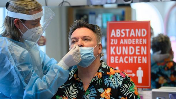 Knapp 25.000 Neuinfektionen, Sieben-Tage-Inzidenz geht zurück
