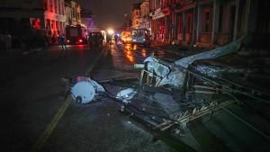 Drei Tote und viele Verletzte nach Wirbelsturm in Havanna