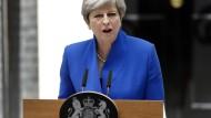Theresa May will weiter Regierungschefin bleiben.