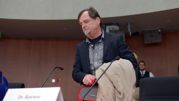 Vater von Mundlos berichtet über Helmut Roewer
