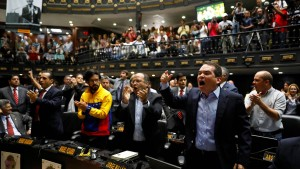 Opposition will oberste Richter entlassen