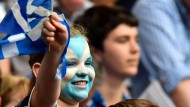 Junge Schotten stimmen auch mit ab