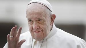 Papst Franziskus musste ins Tor
