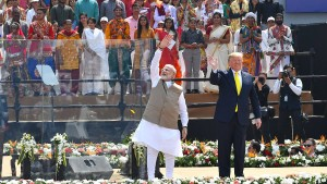 Trump nutzt Indien-Besuch zu Wahlkampfzwecken