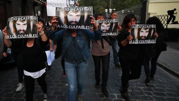 Straßenschlachten vor argentinischer Botschaft