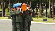 Kritik und Beifall bei der Beisetzung des Diktators