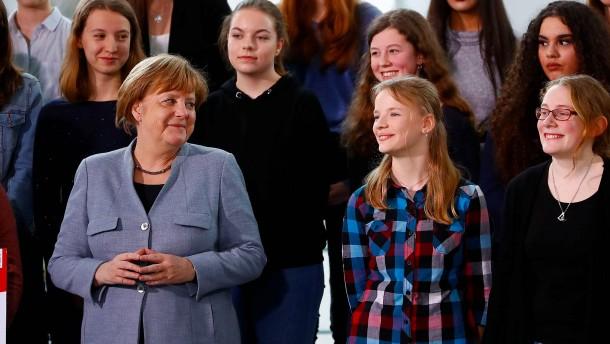 """Merkel empfängt Schülerinnen zum """"Girls' Day"""""""