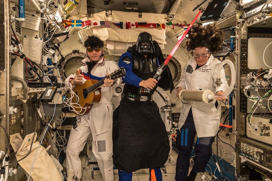 Die Erde, in der wir leben und der Raum, der die Welt ist - Seite 55 Alexander-gerst-und-seine-crew