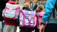 Sind wirklich die Schulranzen daran Schuld, dass immer mehr Kinder und Jugendliche über Rückenschmerzen klagen?
