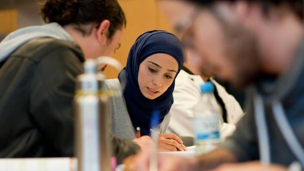 Studie: Muslime sind gut integriert, es fehlt an Akzeptanz