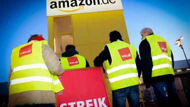 Streikende Amazon-Mitarbeiter Anfang Dezember in Leipzig