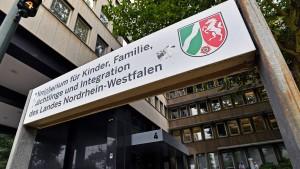Seehofers Werk und Stamps Beitrag