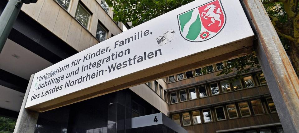 Seehofers Werk Und Stamps Beitrag Zur Abschiebung Von Sami A