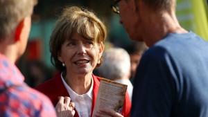 Kölner OB-Wahl findet trotz Messerangriff auf Kandidatin Reker statt