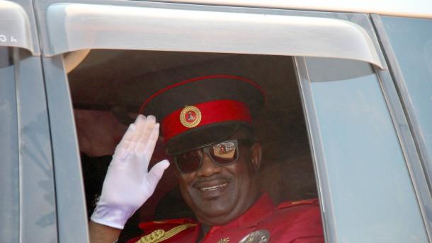 Herero-Chief kündigt Massenproteste gegen Steinmeier-Besuch an
