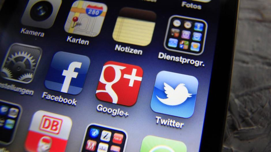 Das Unternehmen Twitter kennt mindestens Namen und Mail-Adresse seiner Nutzer