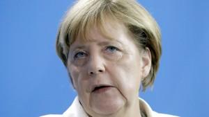 Merkel gesteht Fehler in der Flüchtlingskrise ein