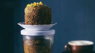 Den Kuchen backt man direkt im Glas - Rührkuchen eignet sich dafür besonders.