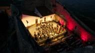 Mozart mit Wind und Wäscheklammern