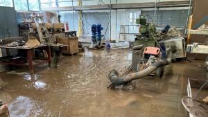 Wenn der Fluss durch die Fabrik schwappt