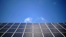 Verwaltungsfall: Solarpanels auf einem Dach im Emsland (Archivbild)