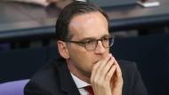 Justizminister Maas droht Facebook