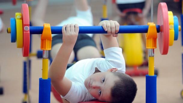 Seite 2 - Sport für Kinder: Ist Krafttraining für Kinder
