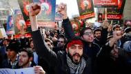 Wütende Demonstranten stürmen am 3. Januar die saudische Botschaft in Teheran.