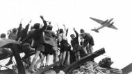 Berliner erinnern sich an Rosinenbomber