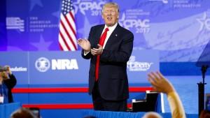 Trump kritisiert abermals Fake News