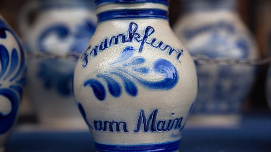 Auch ein fester Teil der Frankfurter Lebensart: der Bembel