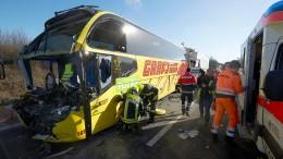 Zwei Tote bei Unfall mit Reisebus auf A3