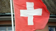 Schweizer stimmen gegen Mindestlohn