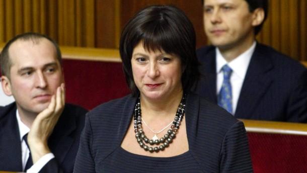 Jazenjuk holt drei Ausländer ins Kabinett