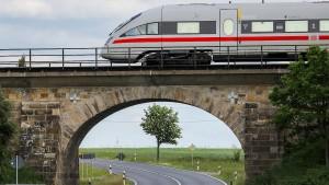 Bahn schickt zu Weihnachten viel mehr Züge aufs Gleis