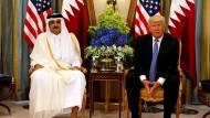 Einig: der Emir von Qatar, Tamim Bin Hamad Al-Thani am 21. Mai mit Donald Trump in RIad
