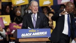 Bloomberg holt auf