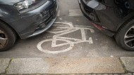 Nicht mehr lange: Falschparker sollen in Wiesbaden zukünftig schneller abgeschleppt werden.